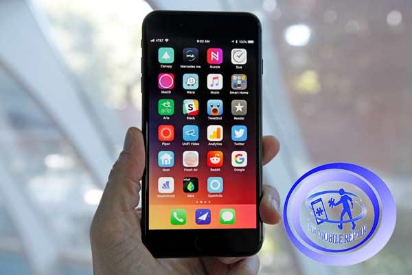 کاهش فروش آیفونهای اپل
